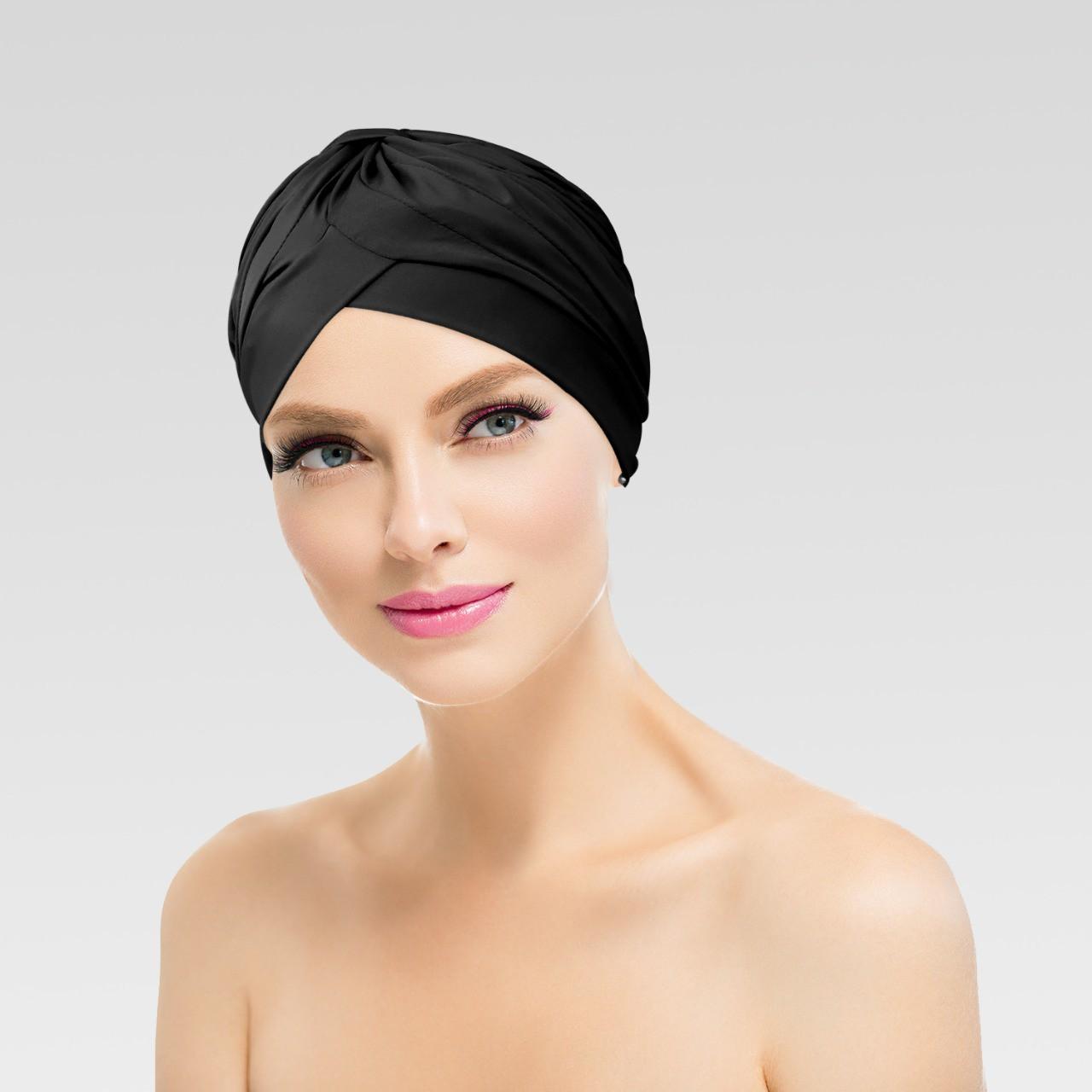Touca Drapeada Lisa Preta com Proteção UV