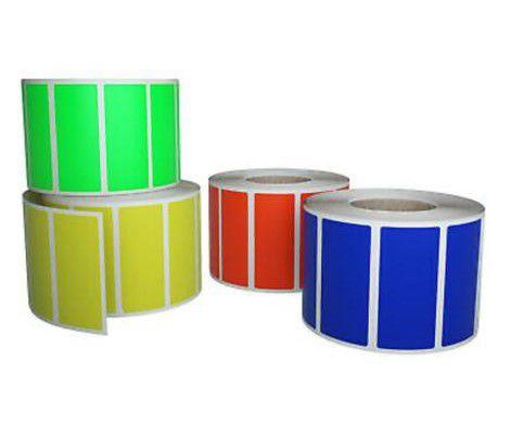 Etiquetas brancas e coloridas papel couche e bopp