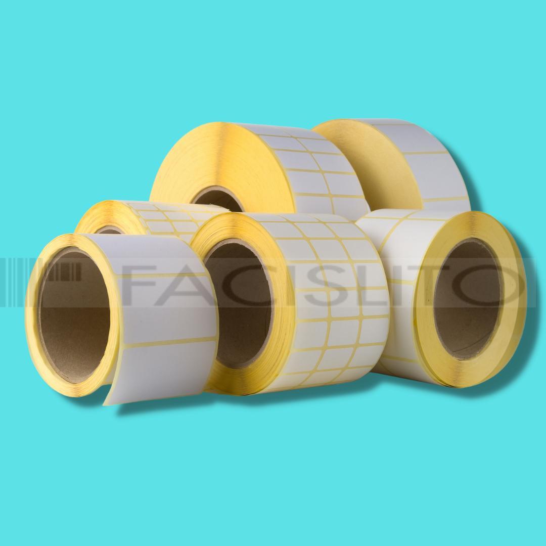 Etiquetas couche 34 x 23 x 3 mm - 30 mtrs - 3400 etiquetas por rolo