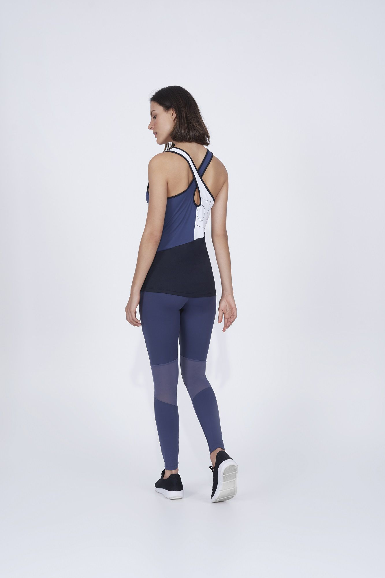 Regata skin fit breeze recortes Alto Giro