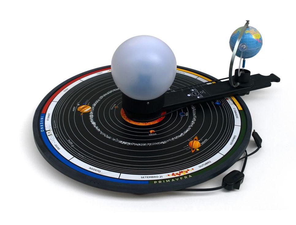 Planetário Bivolt com base de madeira