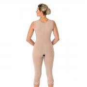 Cinta Modeladora Mabella 1052 s/ busto, pernas abaixo do joelho, aberto e alça larga