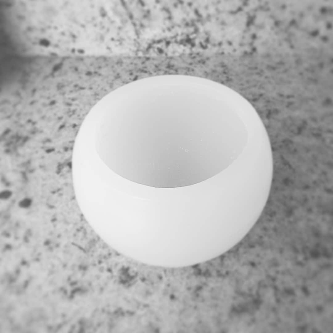 Luminária bola D=10cm (Unidade)