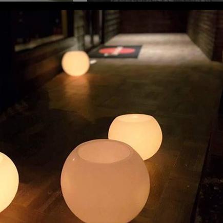 Luminária bola D=30 cm (Unidade)