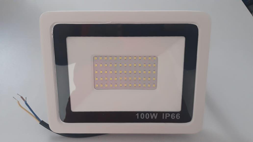 Refletores de Led 100w Led Cob smd 6500k Branco Frio Bivolt(carcaça  branca) resistente a água