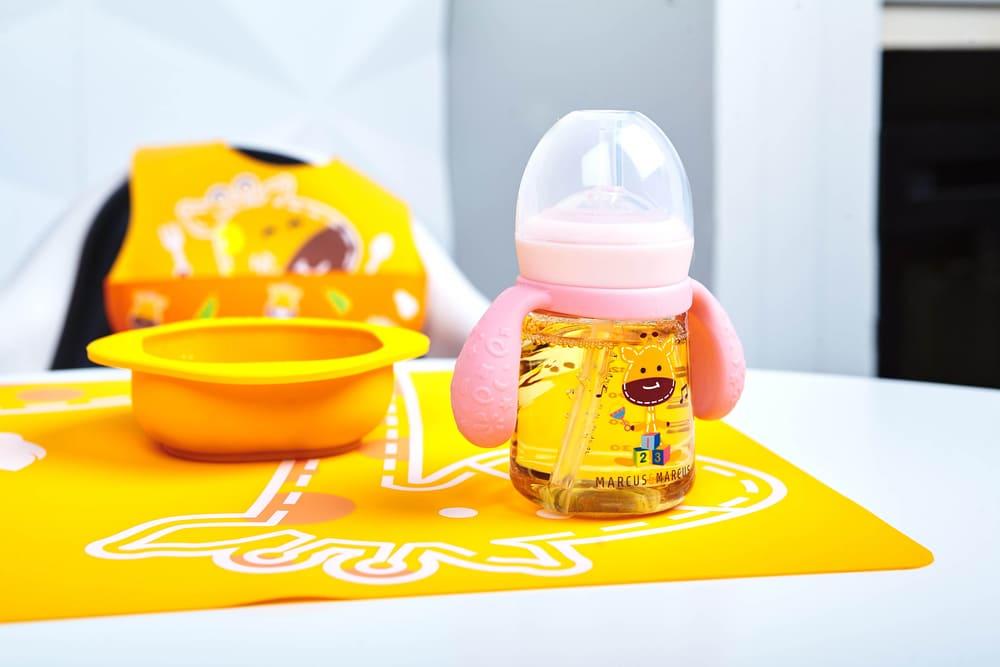 Copo De Treinamento Com Bico De Silicone Marcus & Marcus Girafa  - Encanto Baby