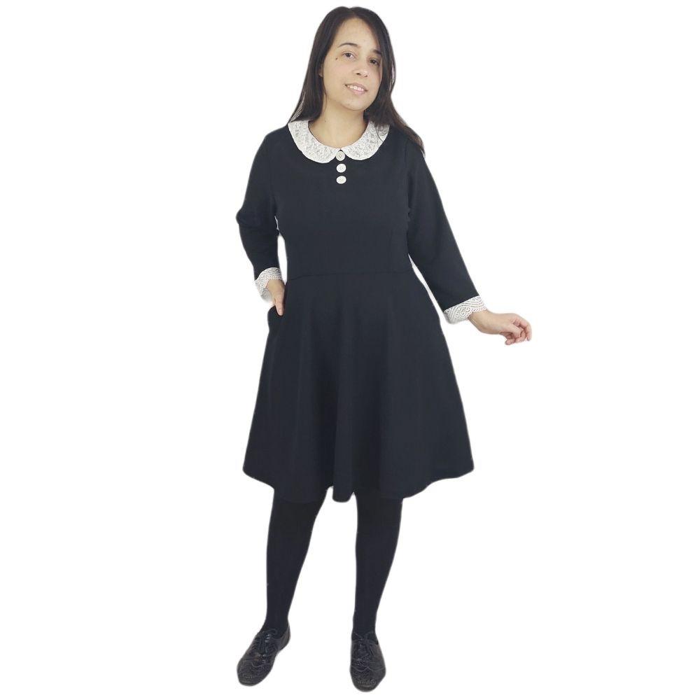 Vestido Preto com Renda Branca
