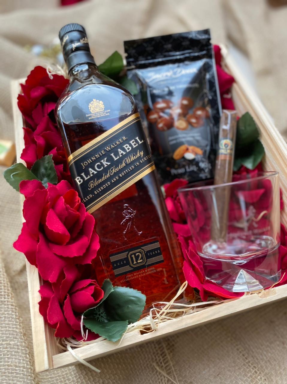 Kit Whisky Black Label 1L