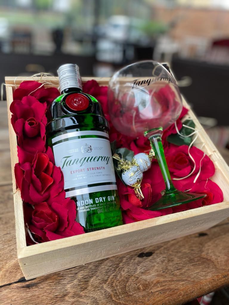 KIT  Dia dos Namorados - Tanqueray Romance