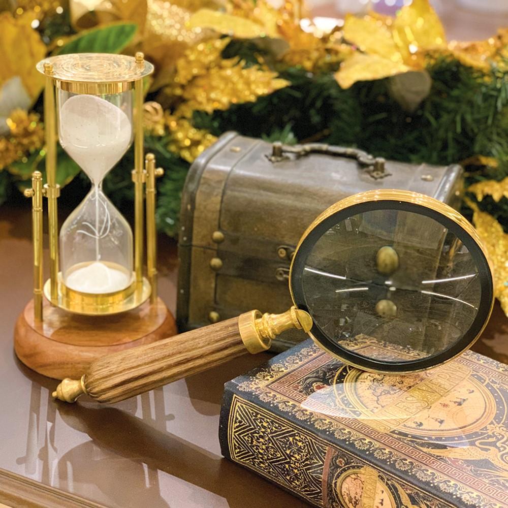 Ampulheta decorativa dourada em metal e madeira 17cm - Royal