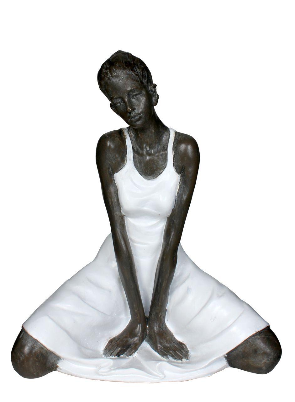 Estatua Mulher Sentada 20cm