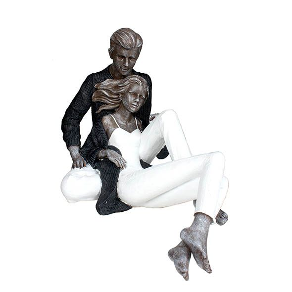 Estatua Casal Sentado 20cm
