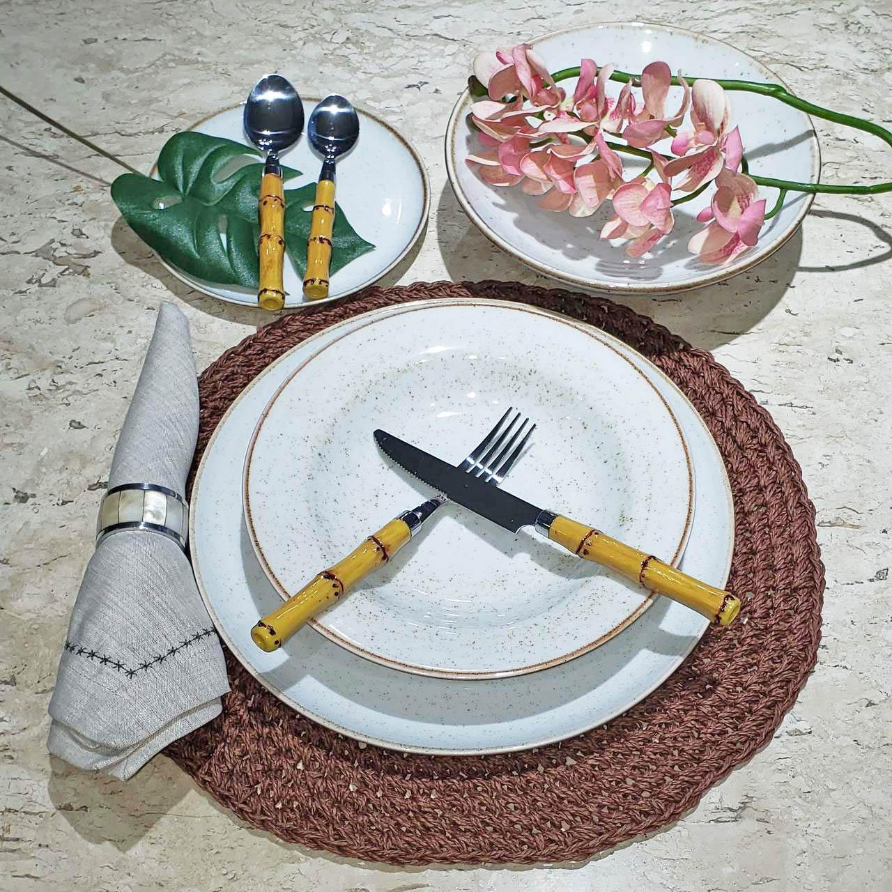 Jogo de Jantar de Porcelana Artisan com Jogo Americano-17 peças