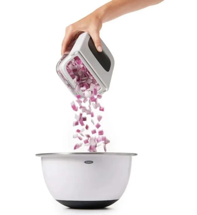 Picador para Vegetais em Aço Inox OXO Branco