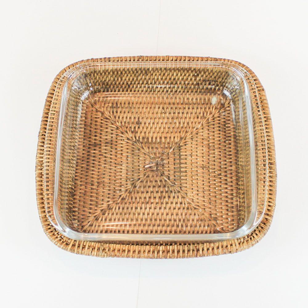 Refratário Quadrado de Vidro  (24,8cm) com Suporte em Rattan MAYA