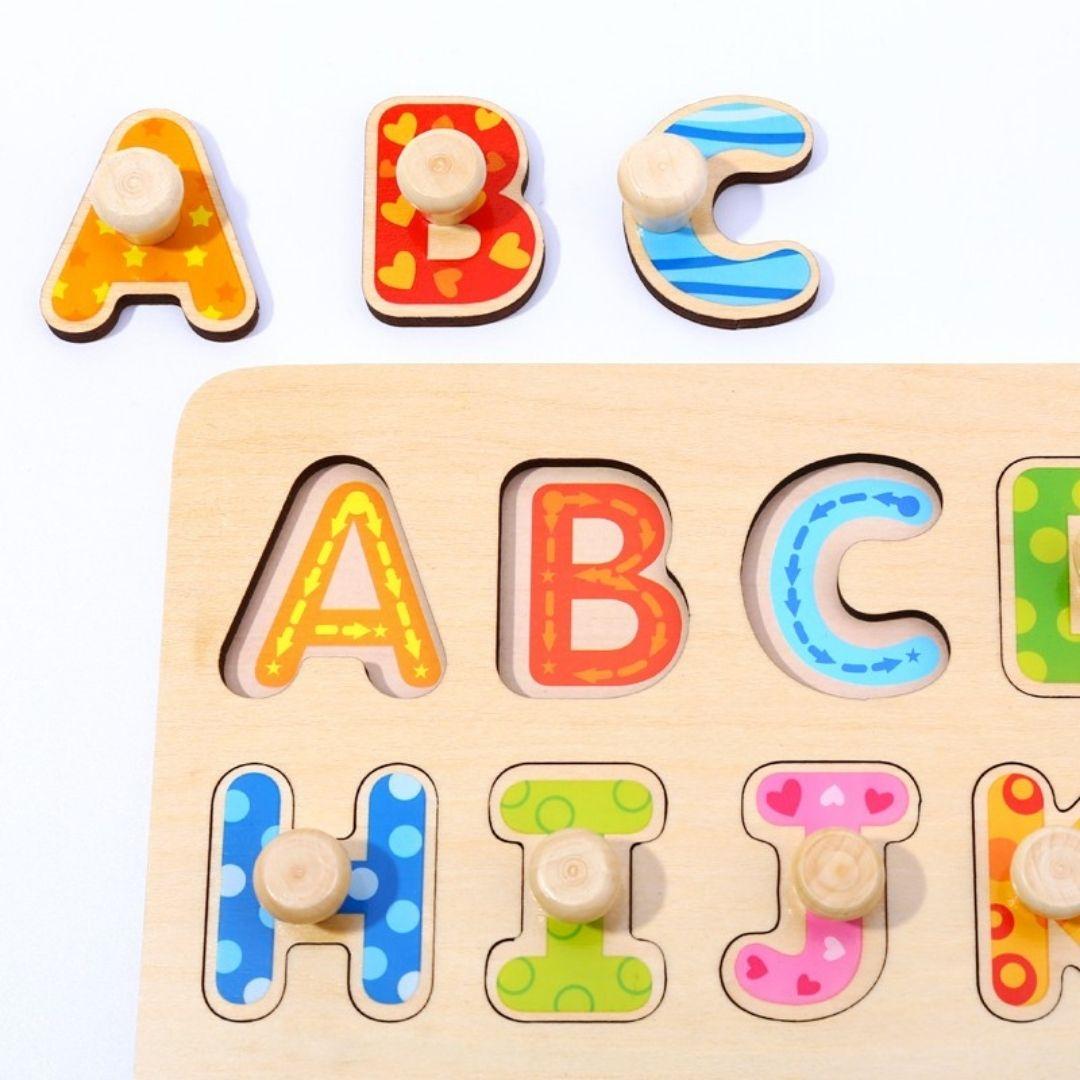 Encaixe Alfabeto com Pinos