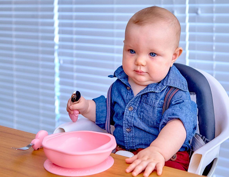 Kit com tigela e primeiro garfo e colher Porquinho