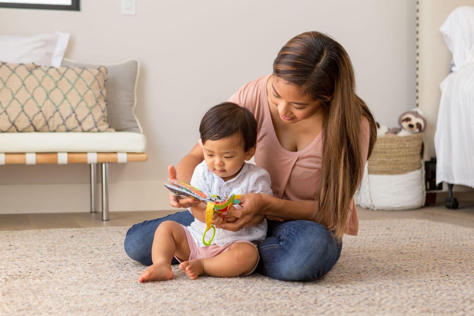 Mobile com Mordedor Livro - Infantino
