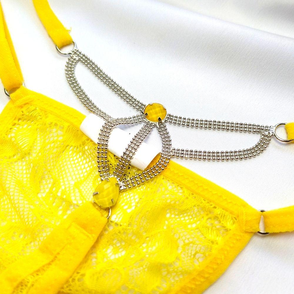Calcinha em Renda com Pedraria Amarela