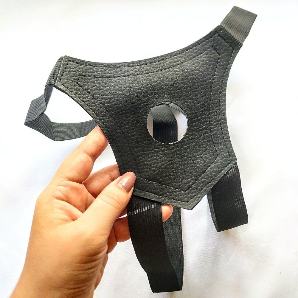 Cinto em Couro Ecológico para Prótese com Orifício de 3,5 cm Strapon