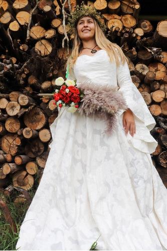 Vestido Medieval Noiva Luxuoso Flare Bem Rodado Princesa