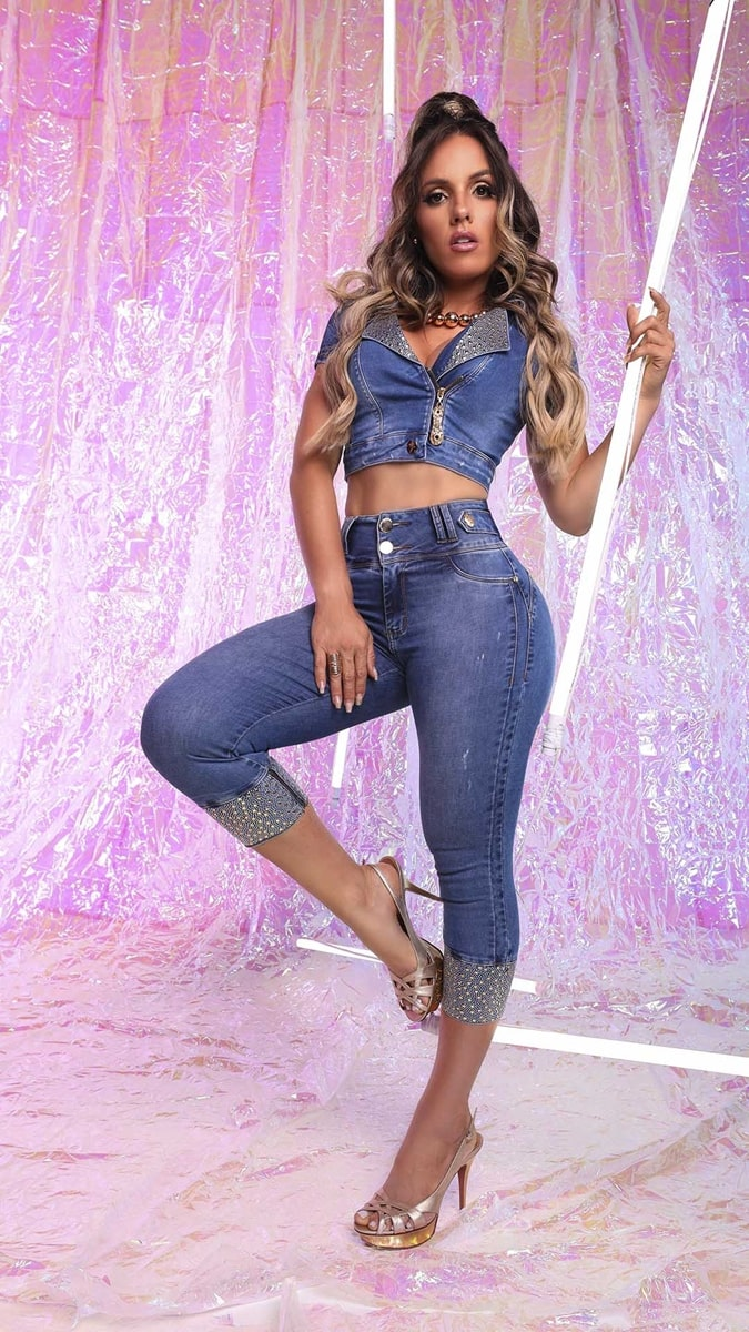 Calça Jeans Feminina Blues Cigarrete Com Strass Rhero Jeans Ref 56303