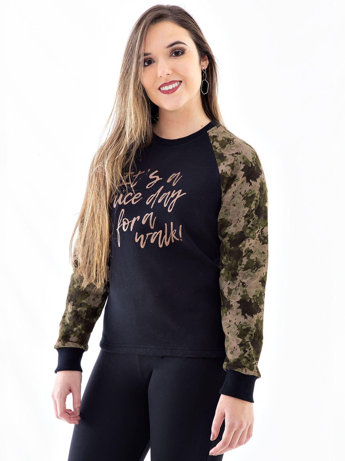 Blusa Moletom Feminino com Mangas Camufladas Anistia Preta