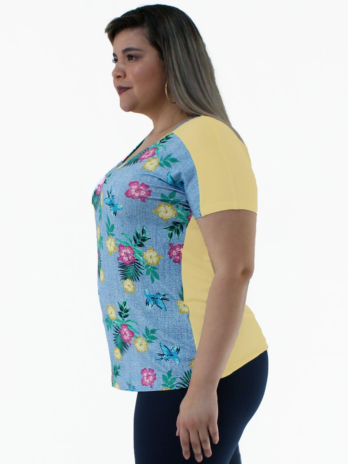 Blusa Plus Size Decote em V. Frente Estampada KTS Amarelo