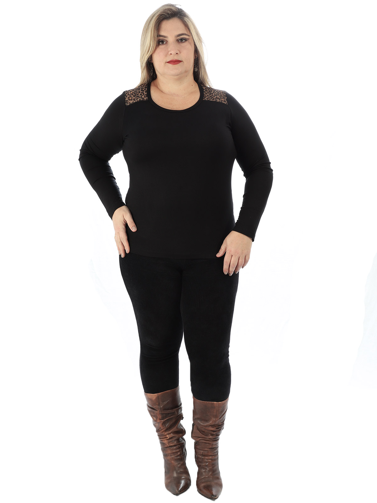 Blusa Plus Size Feminina Com Tule Estampado Anistia Preta