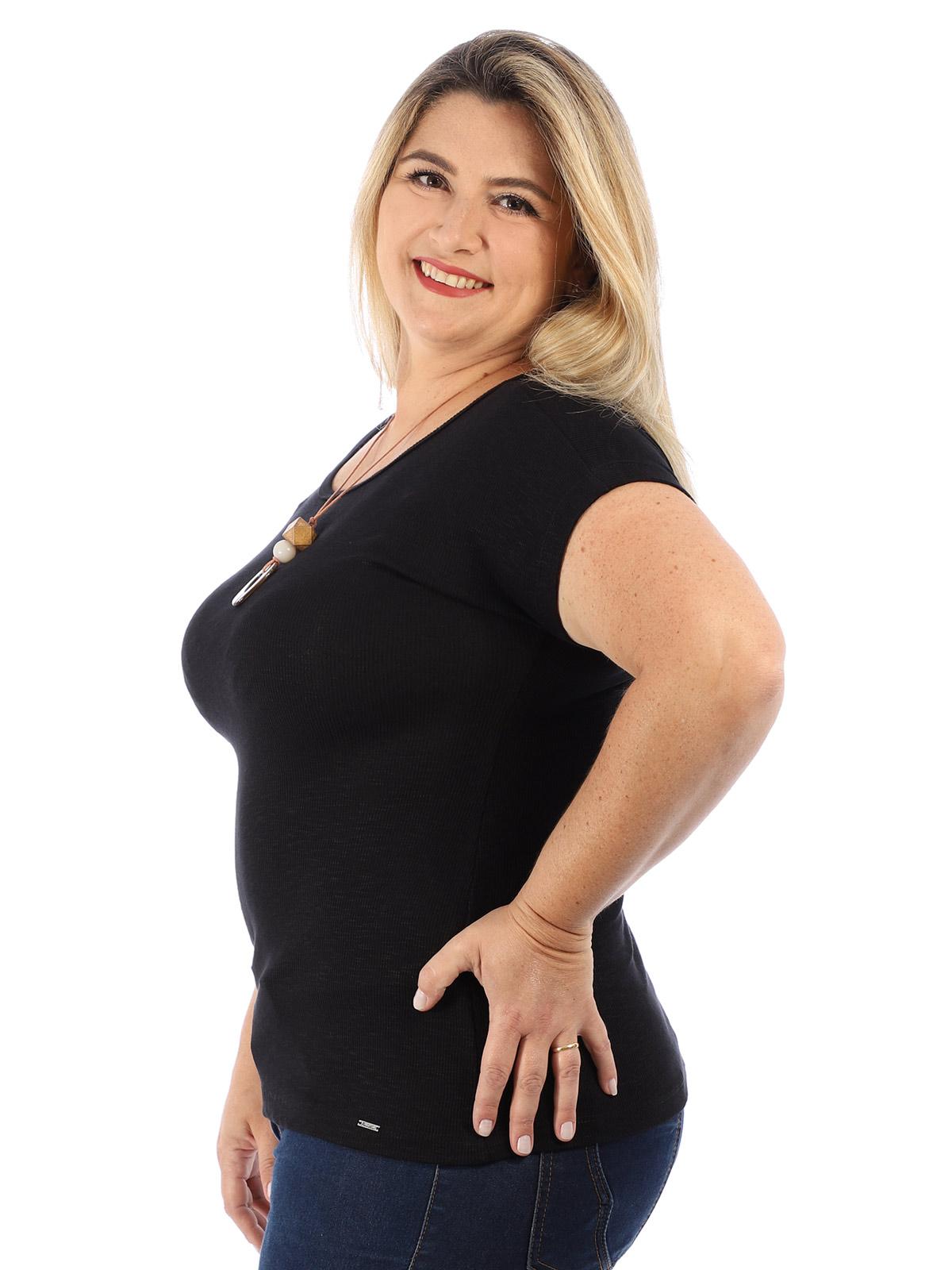 Blusa Plus Size Feminina Decote Canoa Canelada Anistia Preta