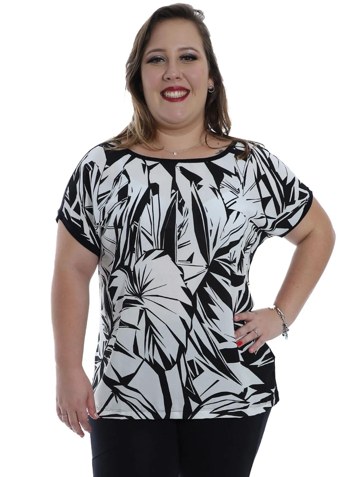 Blusa Plus Size Feminina Decote Redondo Estampada Preta