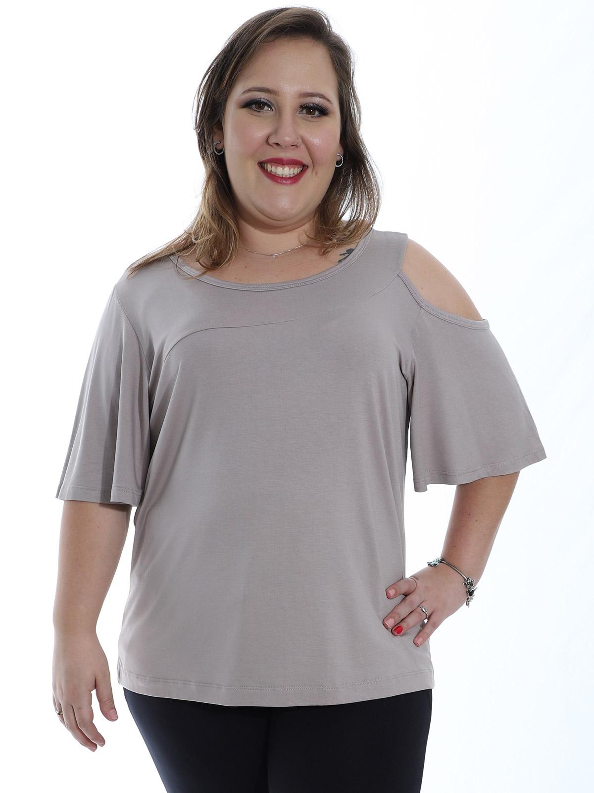 Blusa Plus Size Feminina Decote Redondo Ombro de Fora Areia