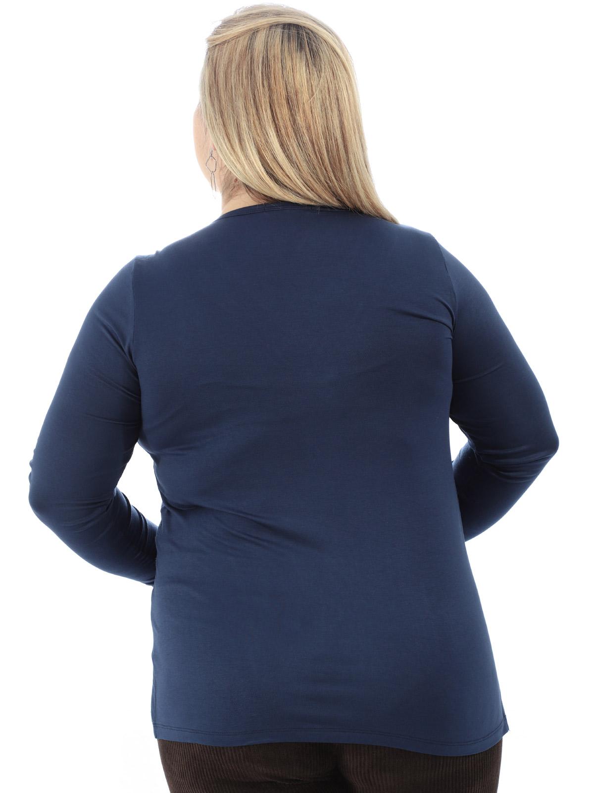 Blusa Plus Size Feminina Decote V com Aplicação Marinho