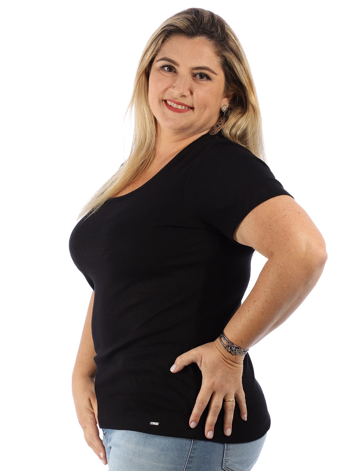 Blusa Plus Size Feminina Visco Canelado Manga Curta Preta