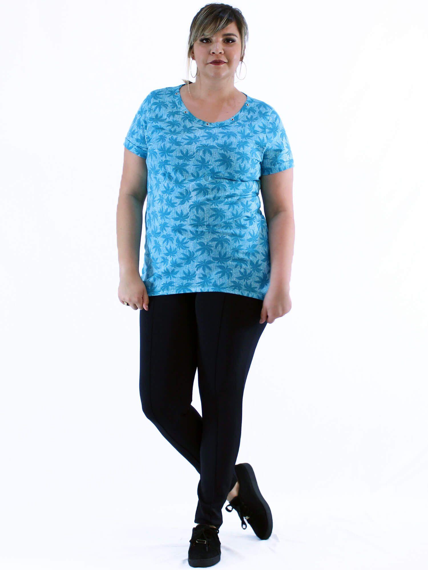Blusa Plus Size KTS Decote Aberto com Ilhós Azul