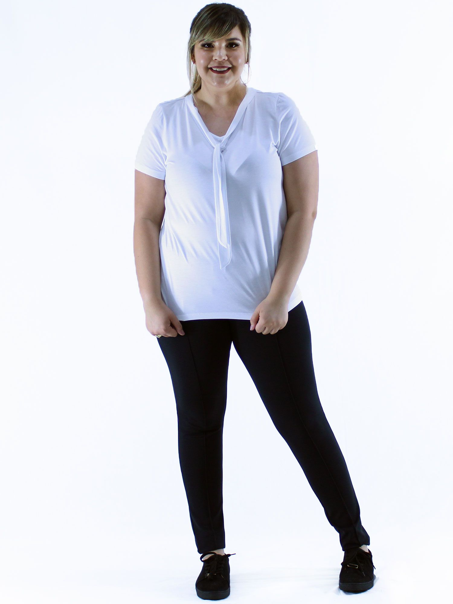 Blusa Plus Size Feminino Manga Curta Decote Laço Branco