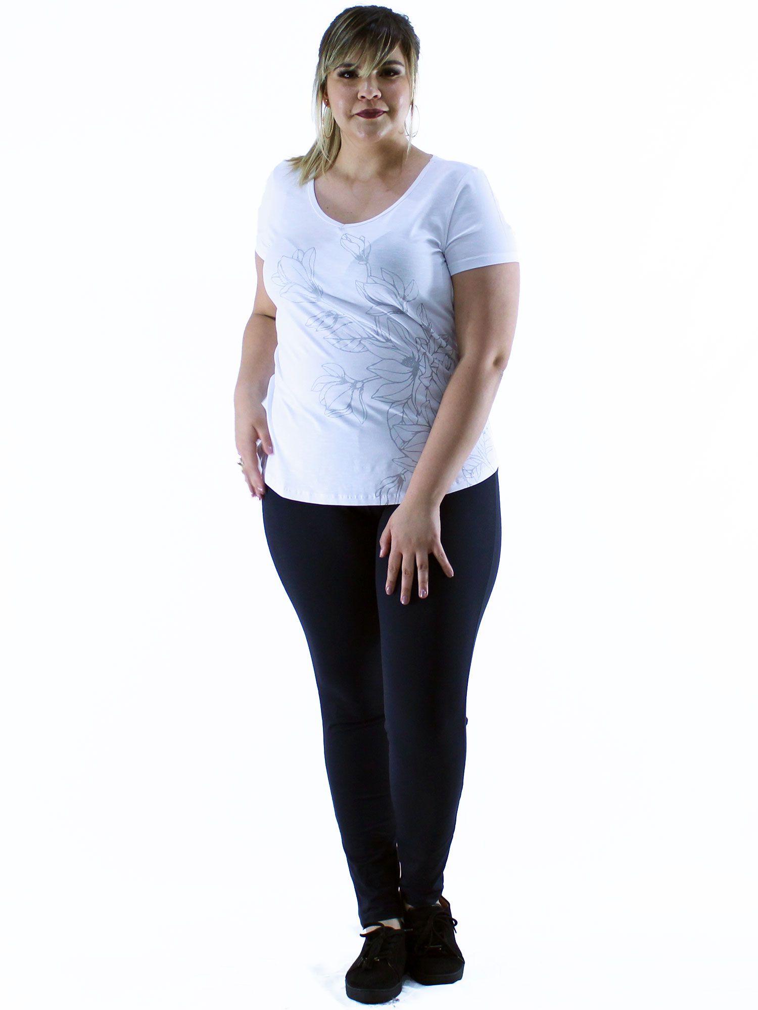Blusa Plus Size KTS Decote V. com Estampa Branco
