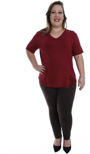 Blusa Plus Size KTS Decote V. com Renda Lateral Bordo