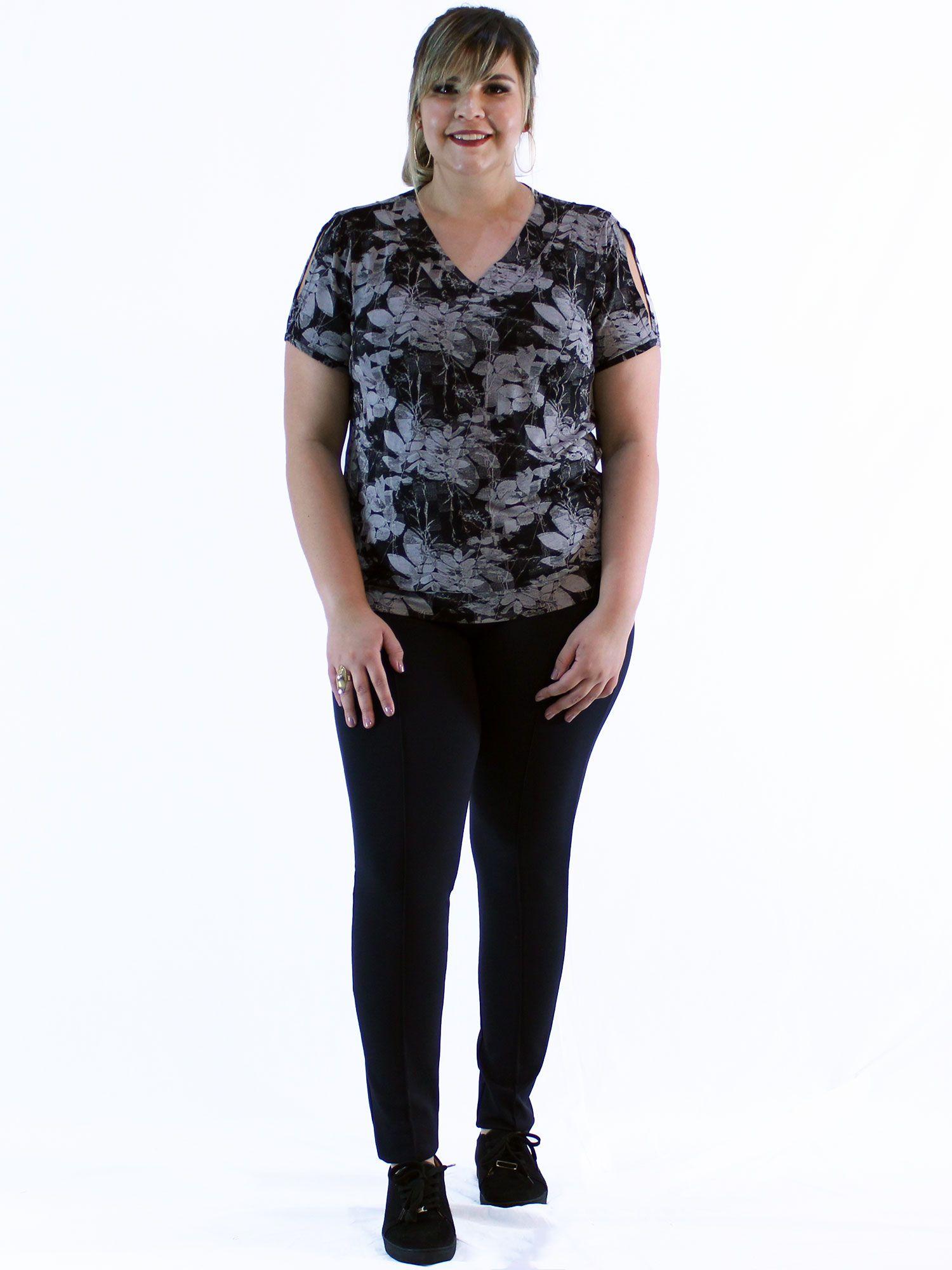 Blusa Plus Size KTS Estampada Decote Diferenciada Preto
