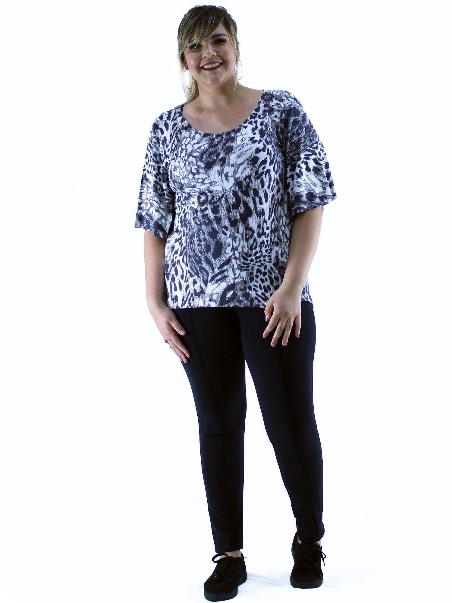 Blusa Plus Size KTS Estampada Preto