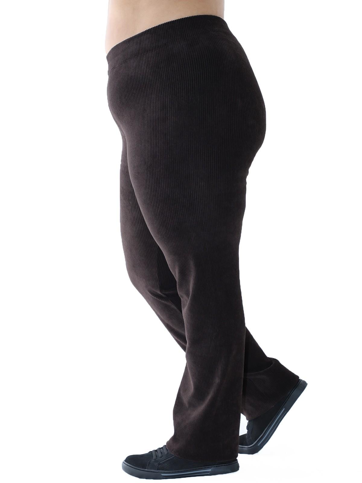 Calça Plus Size Reta de Veludo Cotelê Marrom