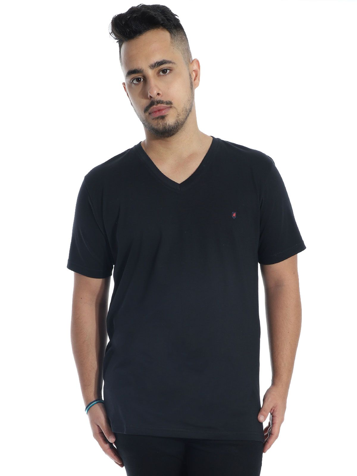 Camiseta Anistia Básica Decote V. Chest Preto
