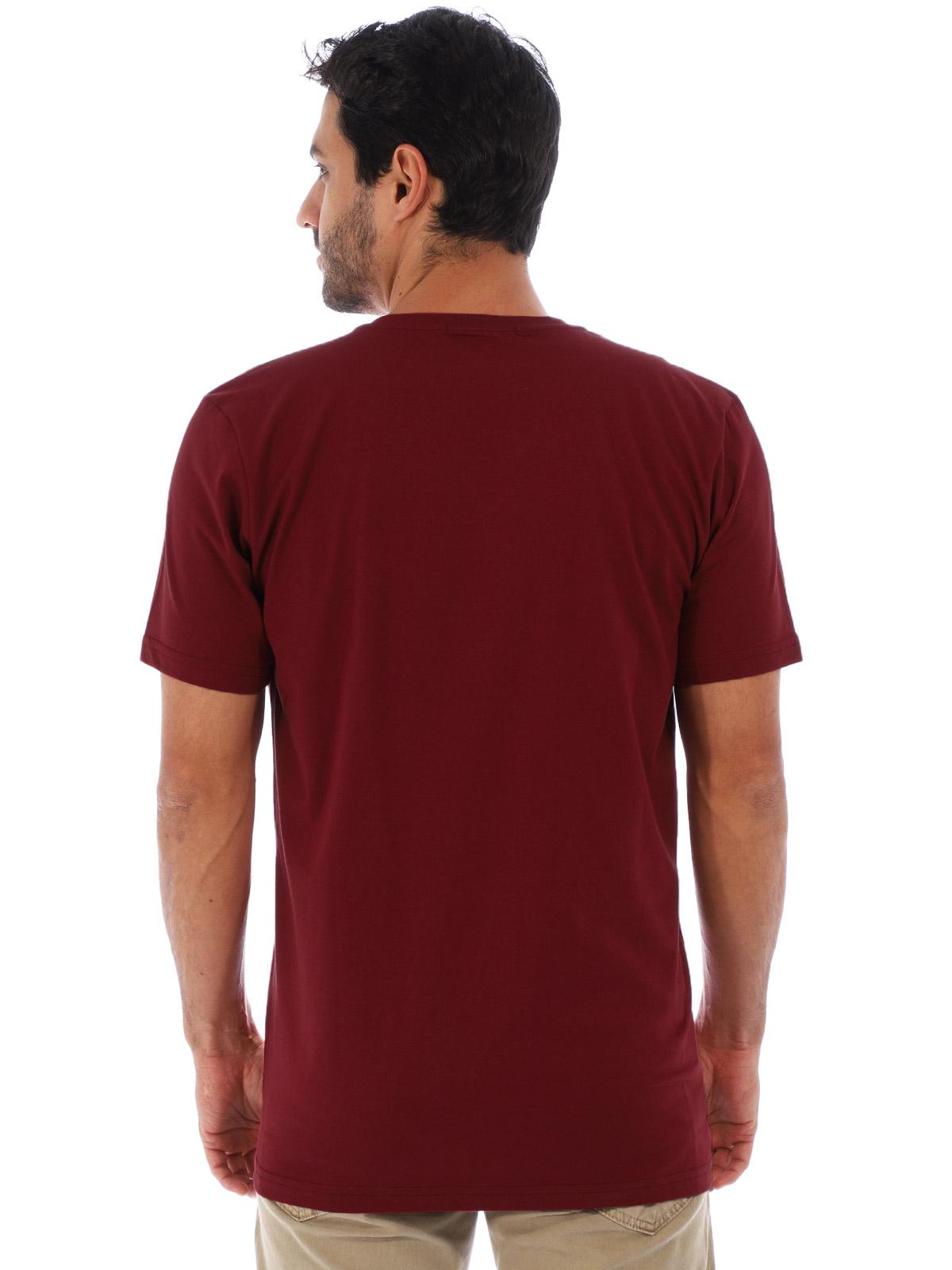 Camiseta Anistia Basica Decote V. Lisa Bordo