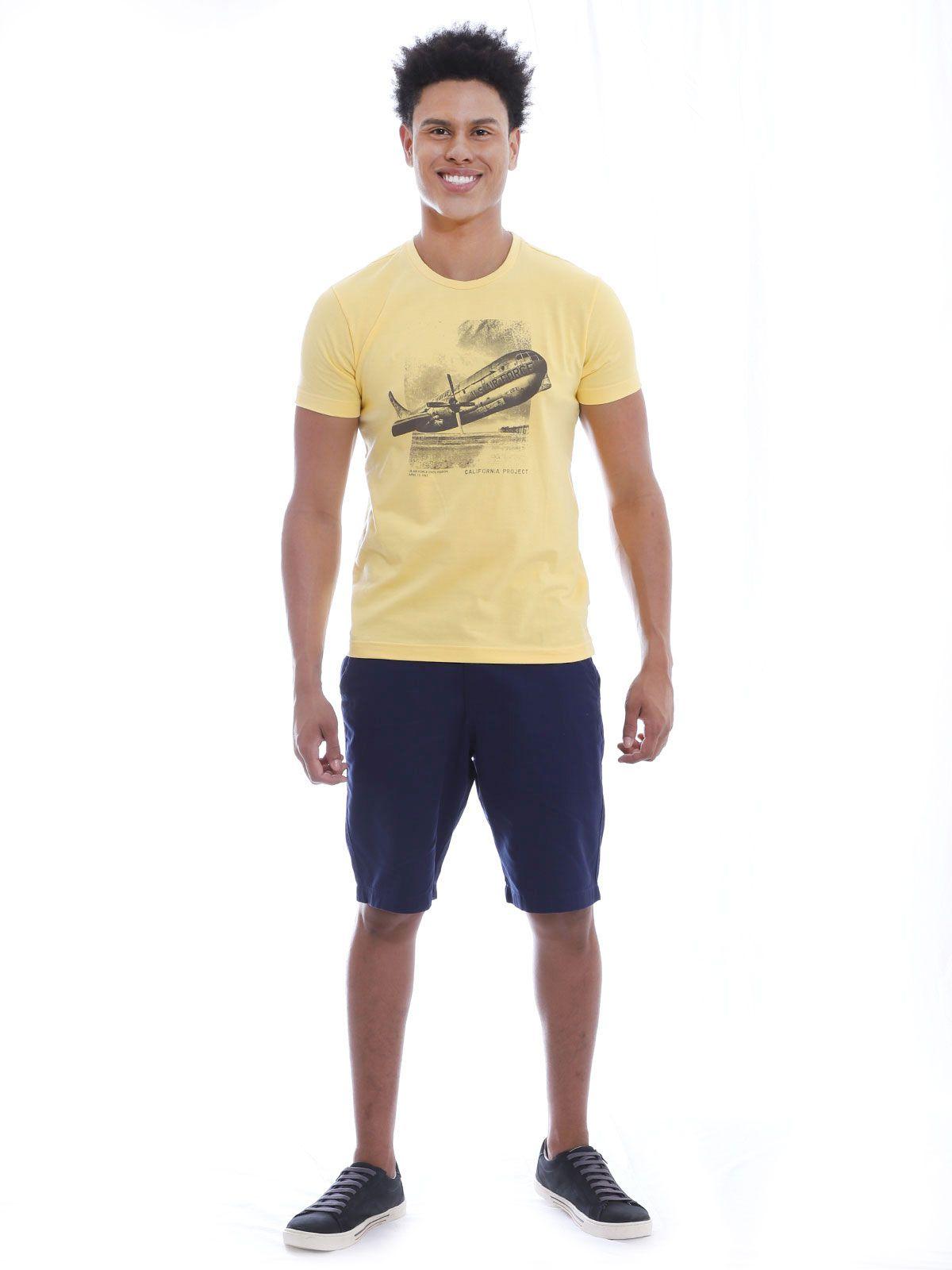 Camiseta Masculina Slim Fit com Elástano Anistia Air Force Amarelo
