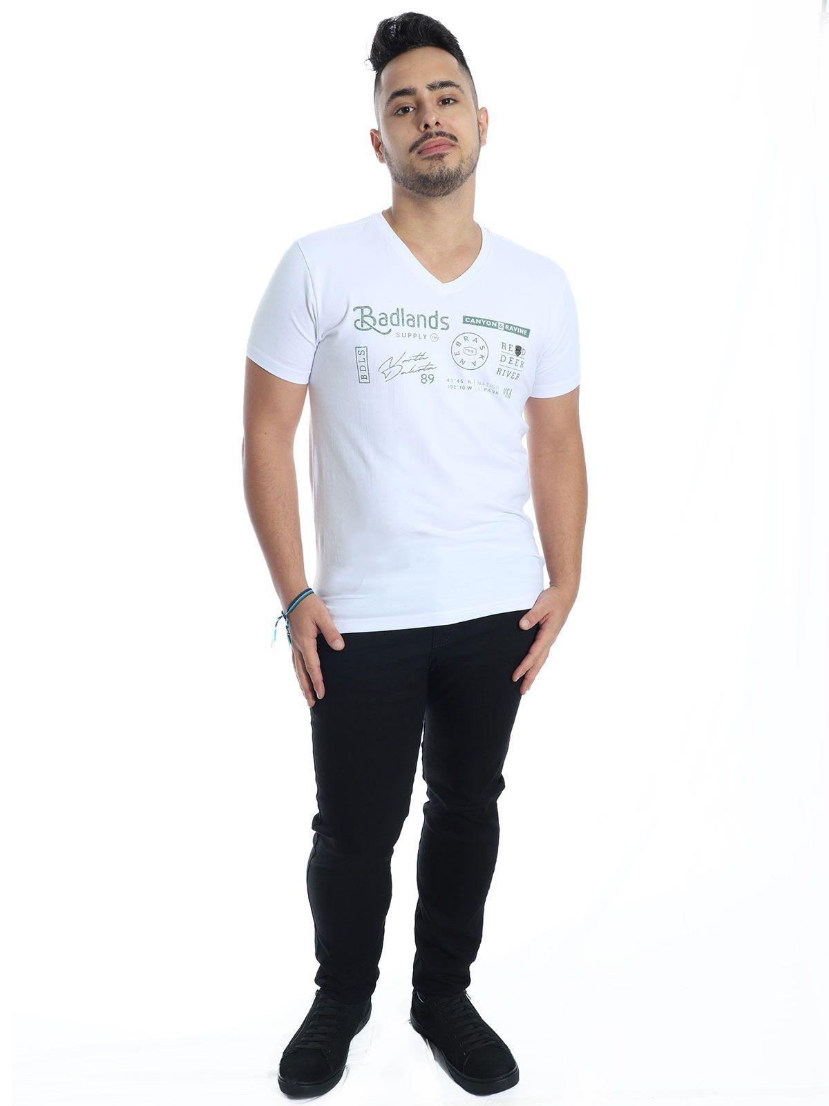 Camiseta Masculina Slim Fit com Elastano Decote V. Manga Curta Branca