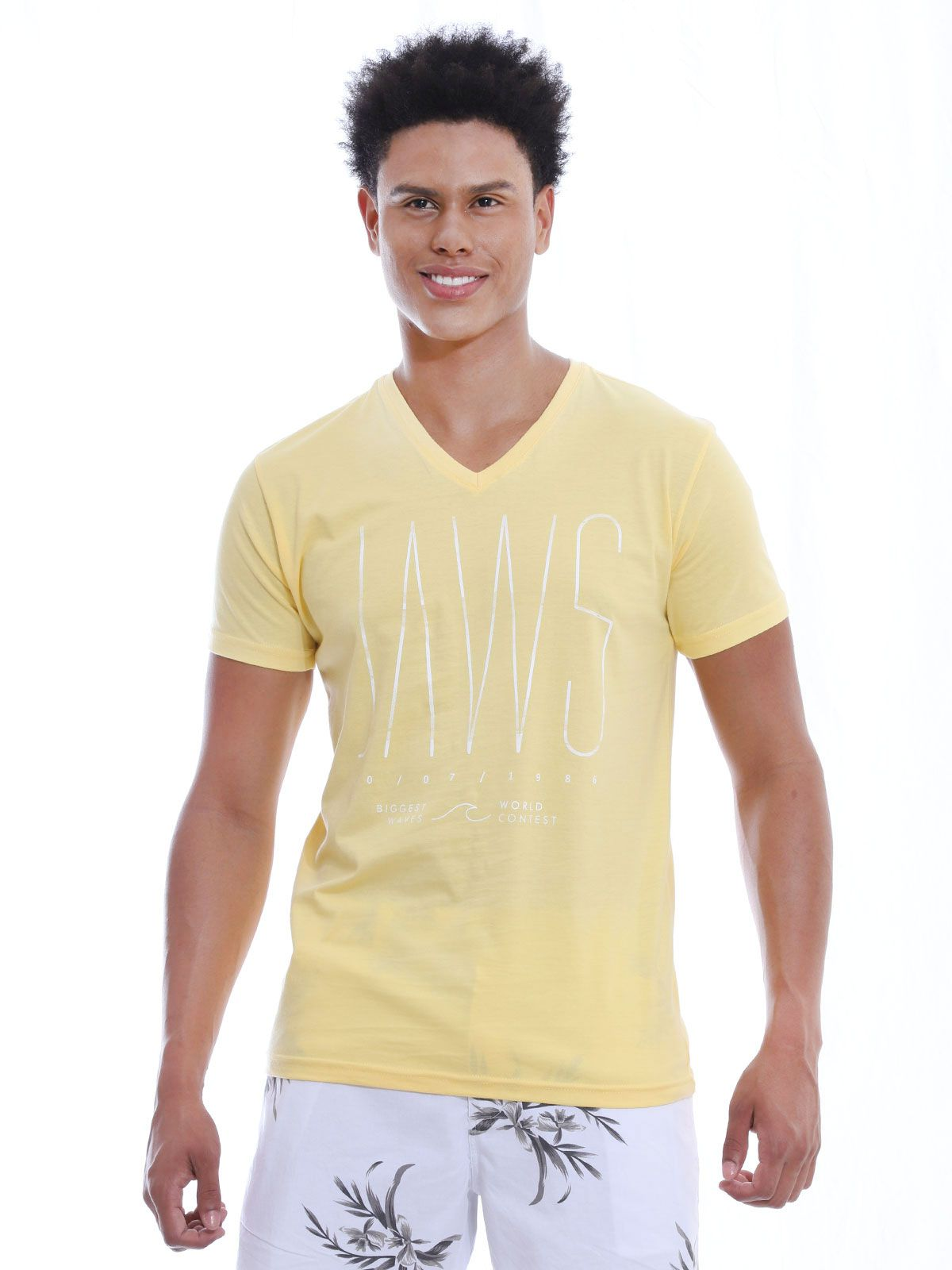 Camiseta Anistia Slim Fit Decote V. Contest Amarelo