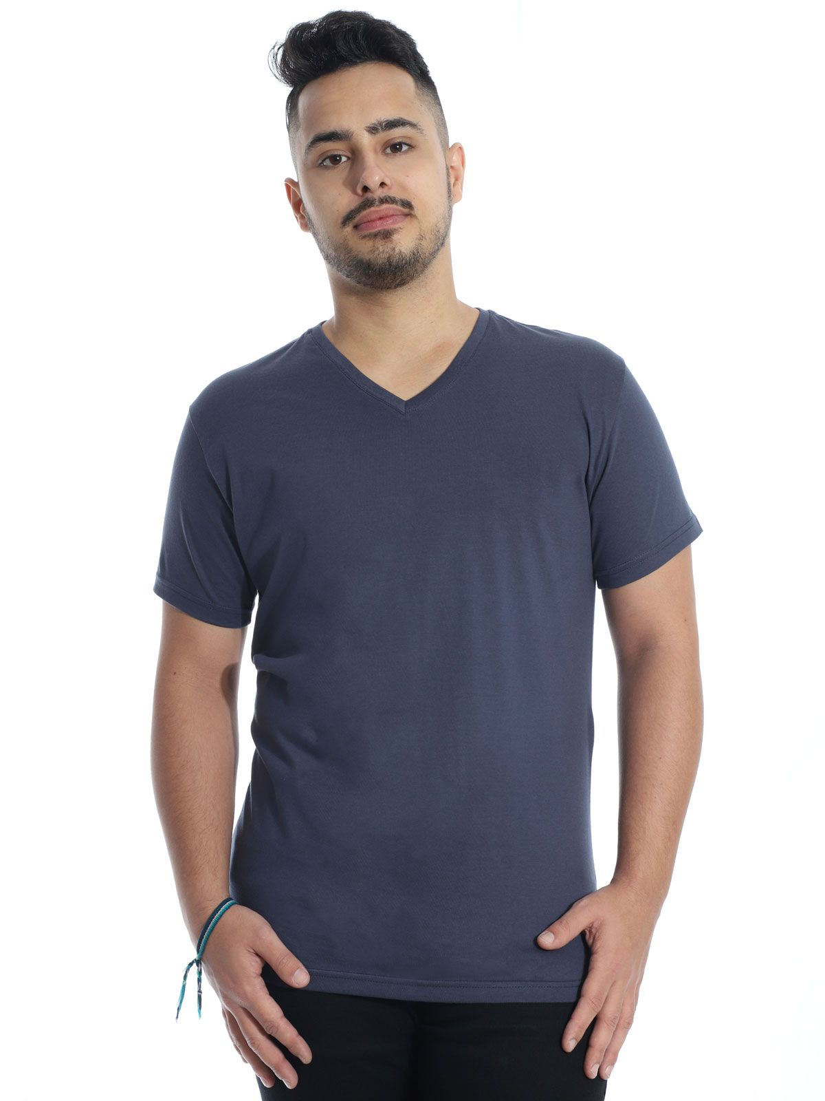 Camiseta Anistia Slim Fit Decote V. Lisa Grafite