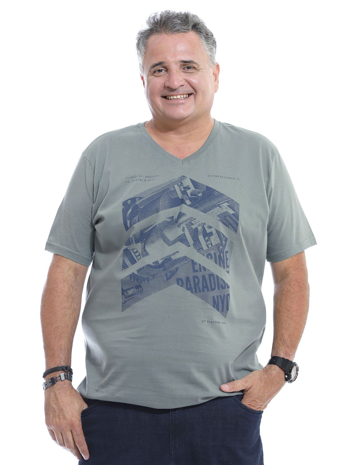 Camiseta Decote V. Plus Size Anistia Side Concreto