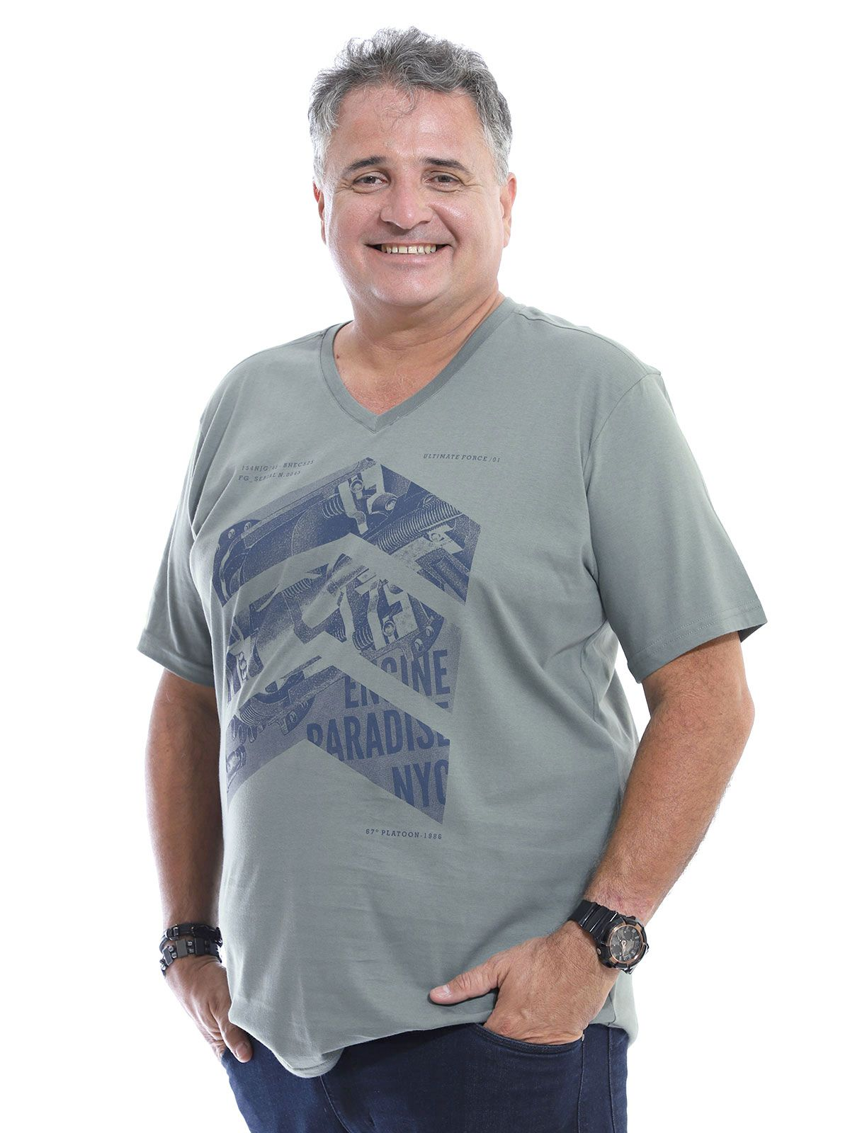 Camiseta Decote V. Plus Size Anistia Side Concreto