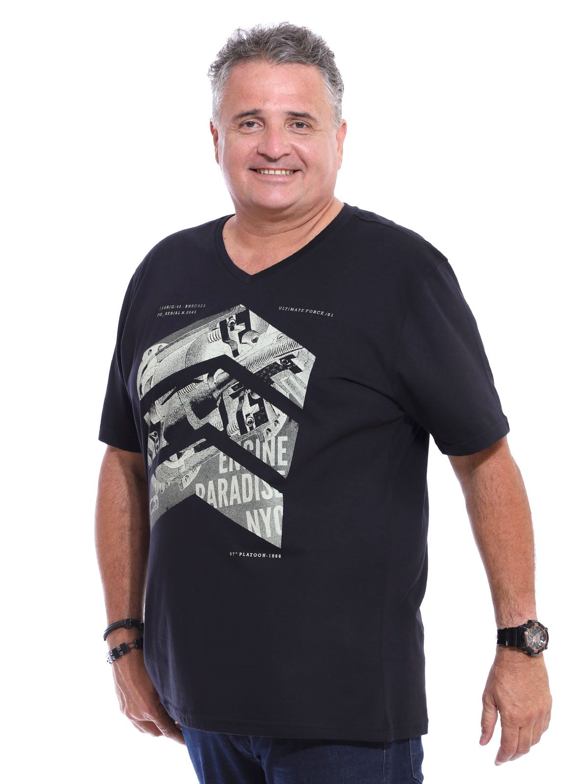 Camiseta Decote V. Plus Size Anistia Side Preto
